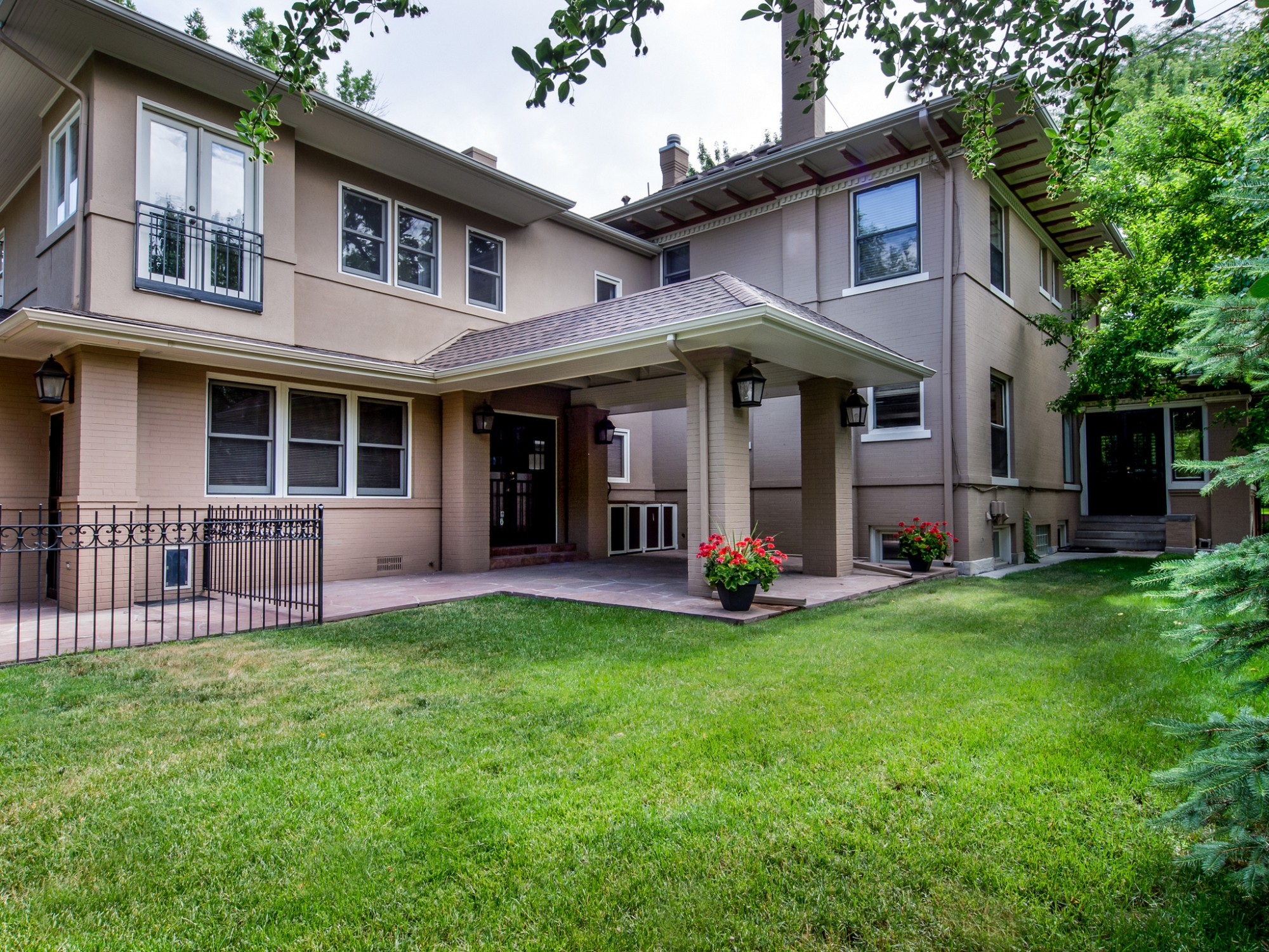 305 Franklin St, Denver, CO 80218